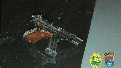 Foto de Após abordagem, Polícia Militar apreende arma de fogo em um veículo em Querência do Norte