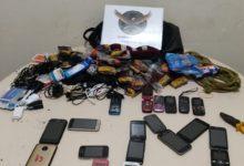 Foto de Homens são presos após serem flagrados tentando arremessar bolsa com objetos no SECAT em Paranavaí