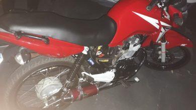 Foto de Homem é preso pela ROMU por pilotar motocicleta embriagado